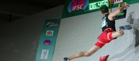 Jan Hojer beim Speed-Klettern