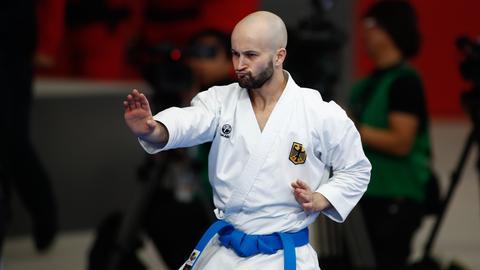 Karate-Kämpfer Ilja Smorguner in Aktion
