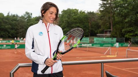 Andrea Petkovic auf einem Tennisplatz in Dresden
