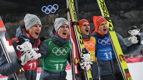 dpa Skispringen