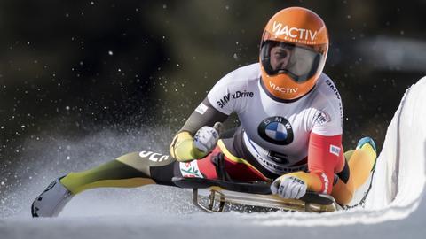 Tina Hermann jubelt über ihre Goldmedaille