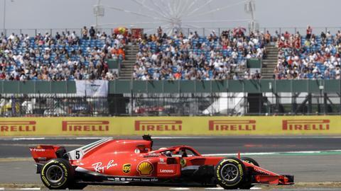 Sebastian Vettel auf der Silverstone-Strecke