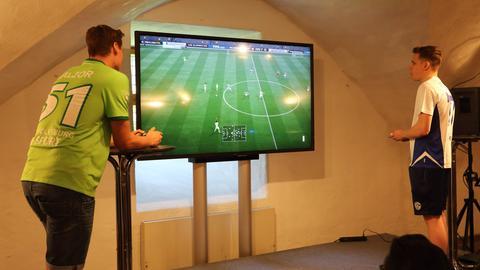 Benedikt Saltzer spielt FIFA