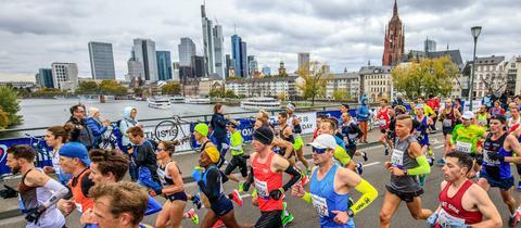 Läufer beim Marathon in Frankfurt
