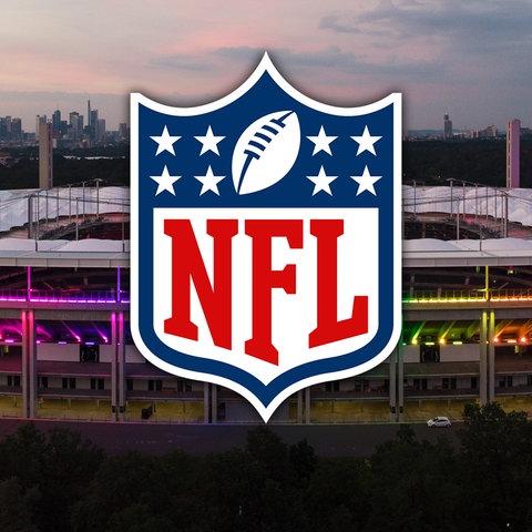 Collage: Die Arena im Frankfurter Stadtwald, davor das NFL-Logo