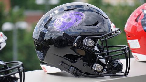 Ein Football-Helm mit dem Logo der Frankfurt Galaxy