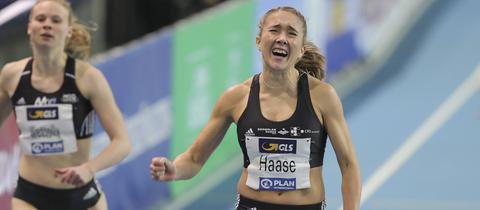 Rebekka Haase beim Zieleinlauf über 200 Meter