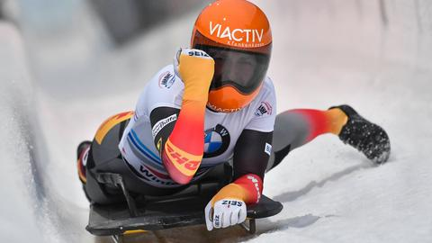 Tina Hermann nach ihrem Skeleton-Sieg in Winterberg