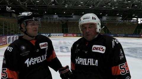 Leon Hüttl und Dirk Froberg auf dem Eis