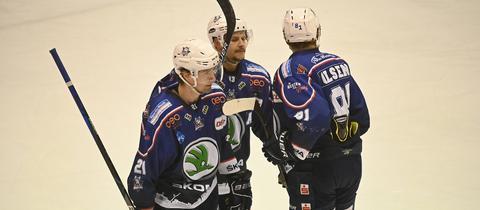 Ryon Moser, Michael Christ und Ryan Olsen von den Kassel Huskies