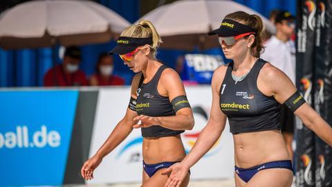 Karla Borger und Julia Sude auf dem Beachvolleyball-Feld