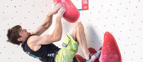 Jan Hojer beim Bouldern in Innsbruck