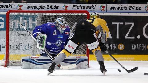 Huskies-Goalie Markus Keller