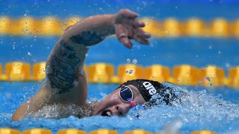 Sarah Köhler schwimmt