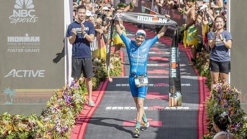 Patrick Lange im Ziel auf Hawaii