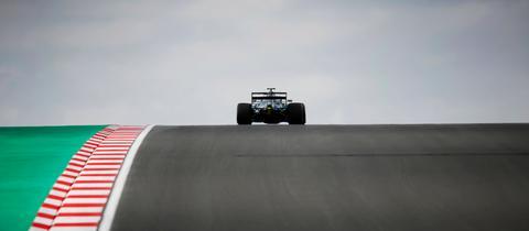 Sebastian Vettel in seinem Aston Martin auf der Formel-1-Strecke in Istanbul