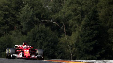 Sebastian Vettel bläst zum Angriff