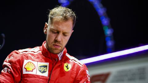 Sebstian Vettel blickt nachdenklich drein