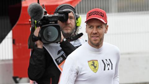 Sebastian Vettel vor einer TV-Kamera