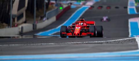 Großer Preis Von Frankreich Vettel Startet Hinter Beiden Mercedes