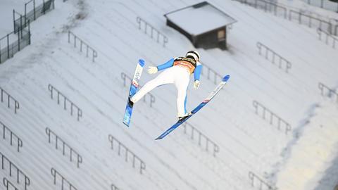 Ein Skispringer in Willingen