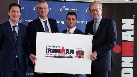 Bild von der Pressekonferenz zum Sponsoring des Ironman