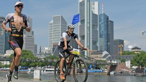 Sebastian Kienle auf der Marathonstrecke beim Ironman