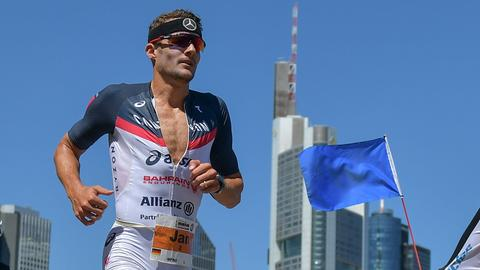 Jan Frodeno auf der Marathon-Strecke in Frankfurt