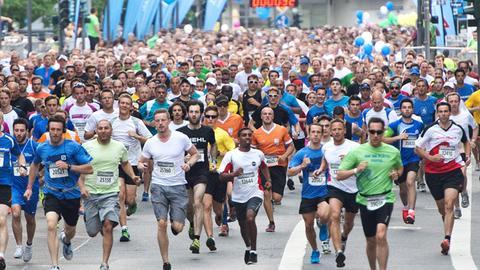 Die Läufer trotzen dem wechselhaften Wetter