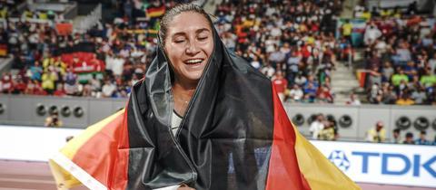 Krause mit Deutschland-Fahne