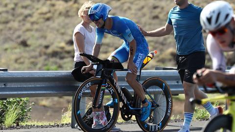 Patrick Lange steigt beim Ironman auf Hawaii aus.