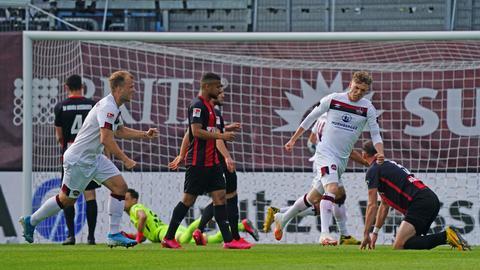 Hängende Köpfe beim SVWW, Jubel beim 1. FC Nürnberg.