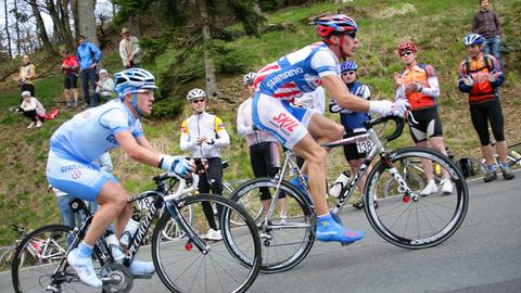 Radfahrer fahren am Feldberg