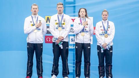 Die deutsche Schwimm-Staffel um Sarah Köhler