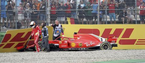 Sebastian Vettel crasht in Führung liegend beim Hockenheim-Rennen 2018 selbstverschuldet in die Wand.