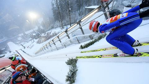 Skispringer in Willingen im Anlauf