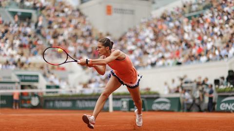 Andrea Petkovic beim Spiel in Paris.