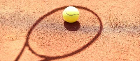 Sandplatz Tennisball