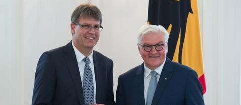 Thomas Weikert erhält 2018 vom Bundespräsidenten den Verdienstorden.