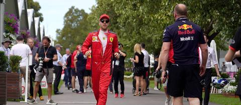 Sebastian Vettel muss sich nicht beeilen: Die Formel 1 startet in diesem Jahr mit Verspätung.
