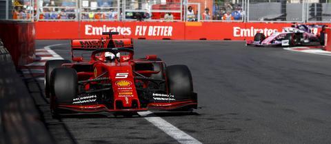 Sebastian Vettel auf dem Stadtkurs von Baku