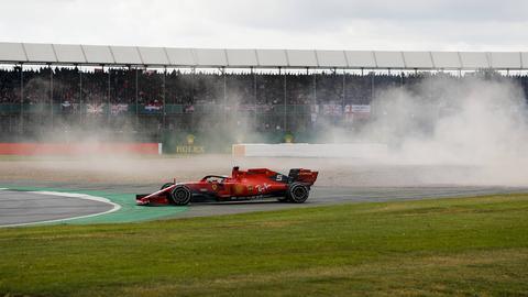 Auf Abwegen: Sebastian Vettel nach seinem Crash mit Max Verstappen in Silverstone