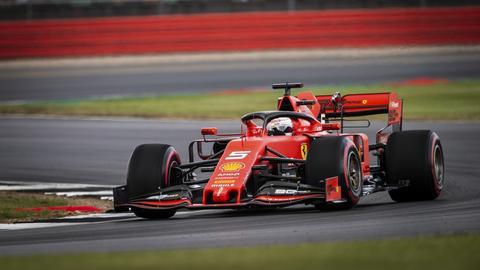 Sebastian Vettel auf der Strecke in Silverstone