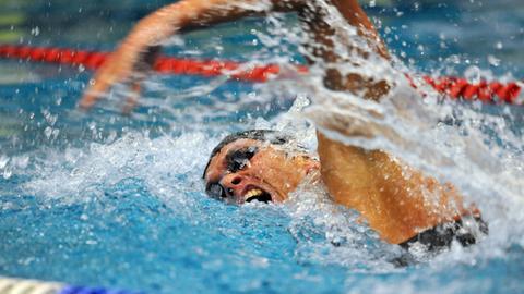 Lukasz Wojt im Schwimmbecken