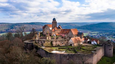 Burg Breuberg aus der Luft aufgenommen.