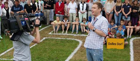 Jens Kölker stellt die Dollen Dörfer des Vorjahres vor.