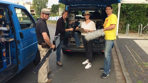 Dolle Dorf - das Team um Nina Schmidt (mit Hut) vor dem Start.