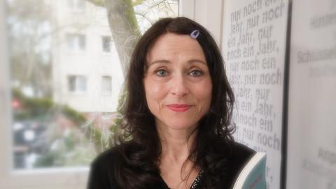 Melis Ntente - Künstlerin aus der hessenschau-Serie Poesiealbum
