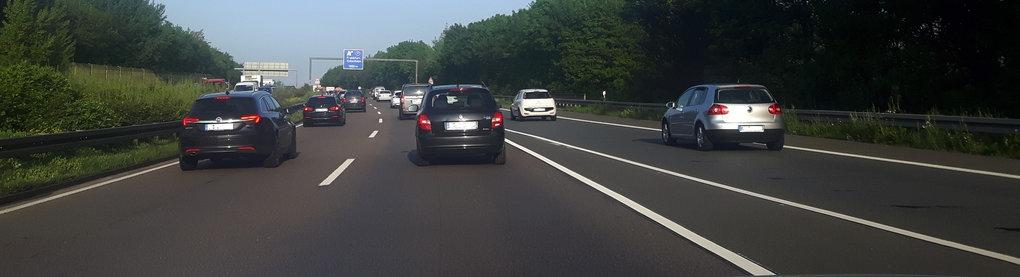 Verkehr auf der Autobahn A661