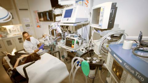 Arzt und Patient in Agaplesion Klinik Gießen